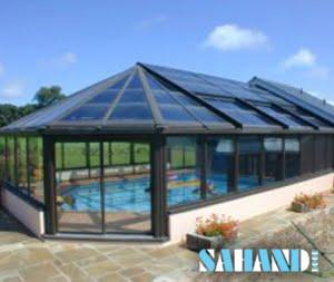 سقفی از جنس شیشه برای استخر
